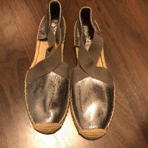 Never worn Tory Burch Espadrilles size 8